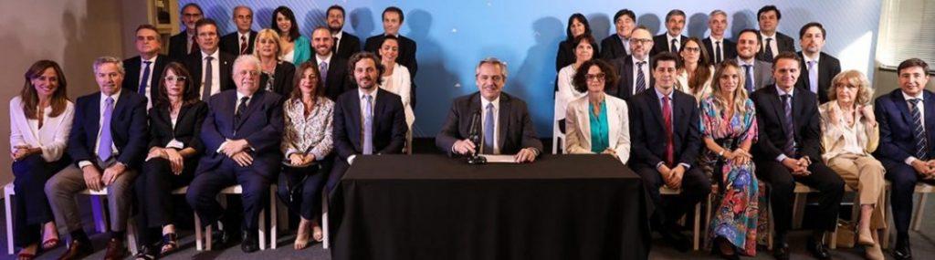 Con elogios para cada uno, Alberto Fernández presentó a su Gabinete